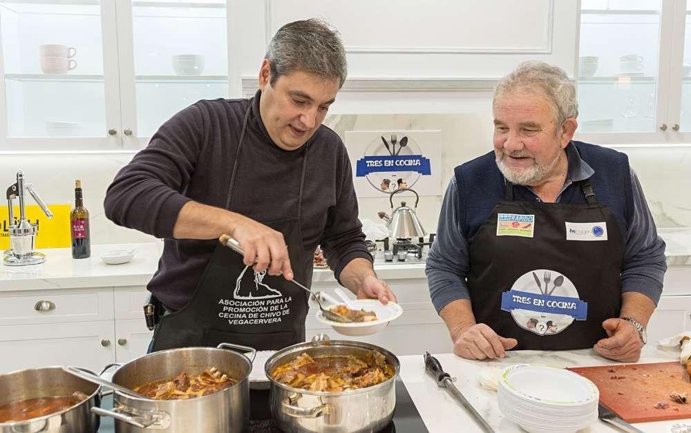 La Academia Leonesa de Gastronomía Presenta la Feria de la Cecina de Chivo-3