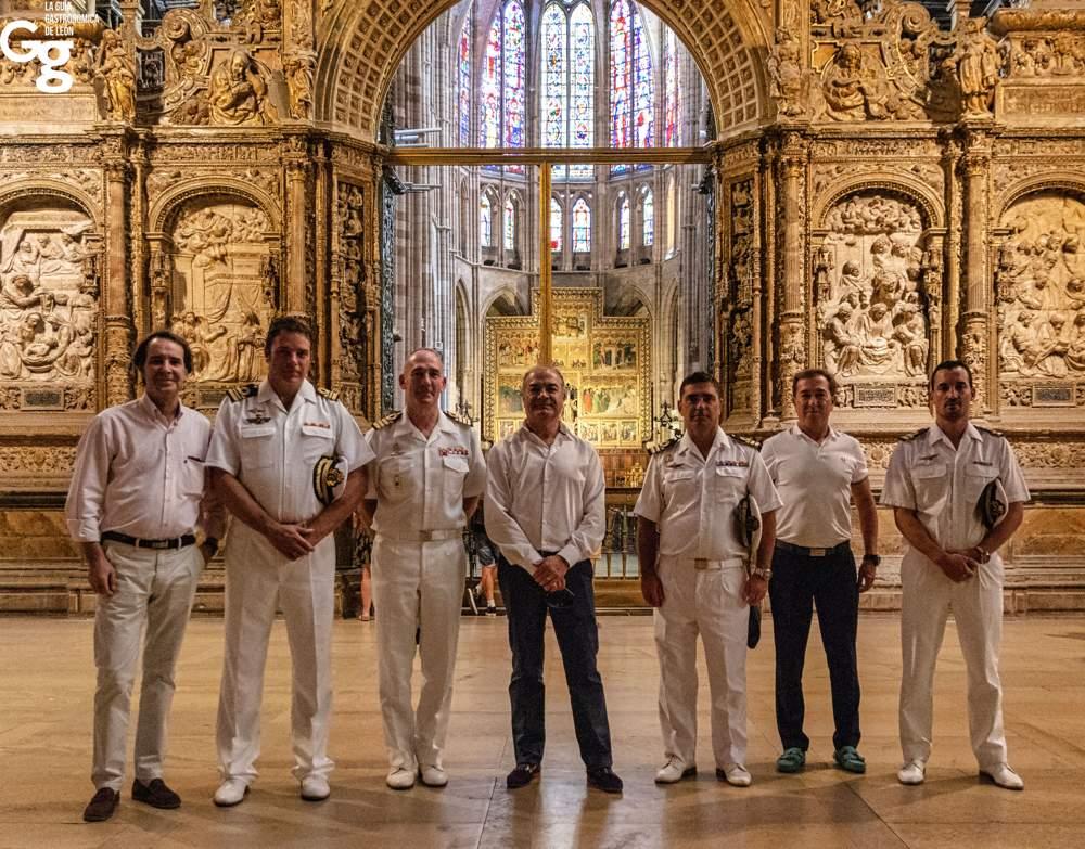 Guía Gastronómica de León IX Escuadrilla de la Armada Española-1