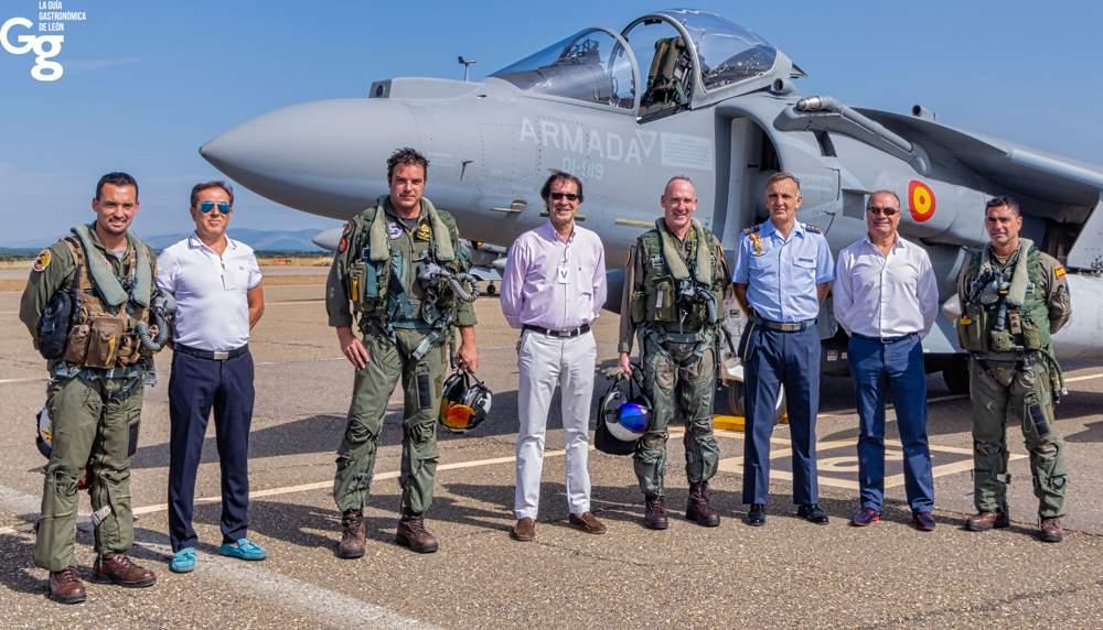 Recibimiento Harrier Aeródromo Militar de León