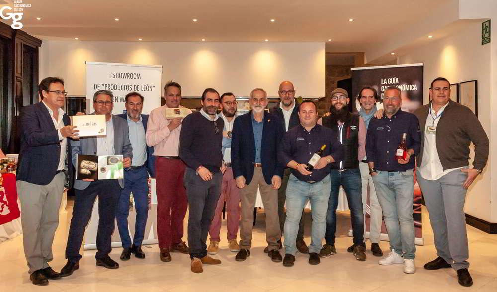I Showroom Pruductos de León en Málaga - Foto de Familia