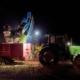 Cargando el tractor - Vendimia Nocturna Gordonzello